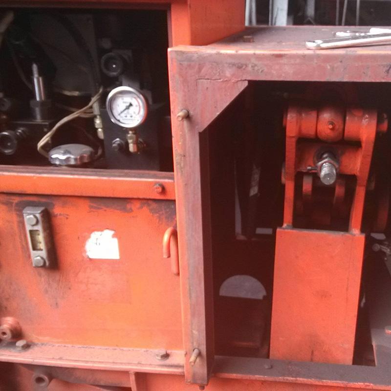 斗轮机夹轨器检修